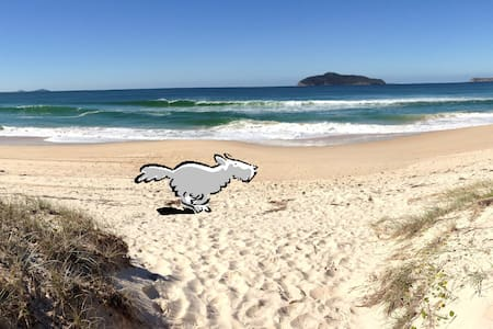 'DOG FRIENDLY' SURF BEACH & HOUSE! - Hawks Nest - Haus