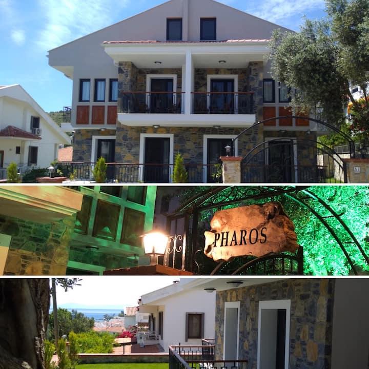Pharos Hotel Corner of Aegea&Mediterranea 302