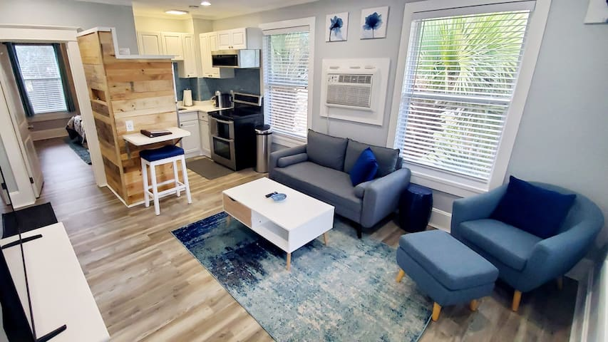 Riverview Blue: BRAND NEW in Downtown Melbourne!
