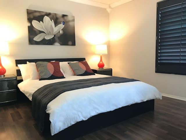 Cozy & Convenient! 3 Bedrooms 2.5 Baths Townhouse