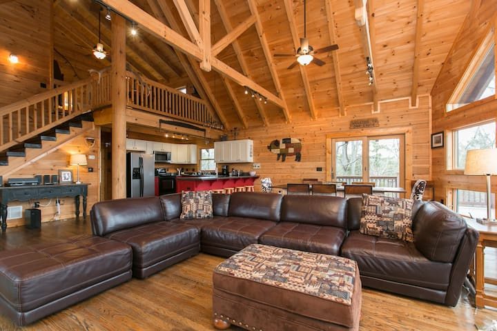 Asheville Log Cabin w/ Hot Tub and Views