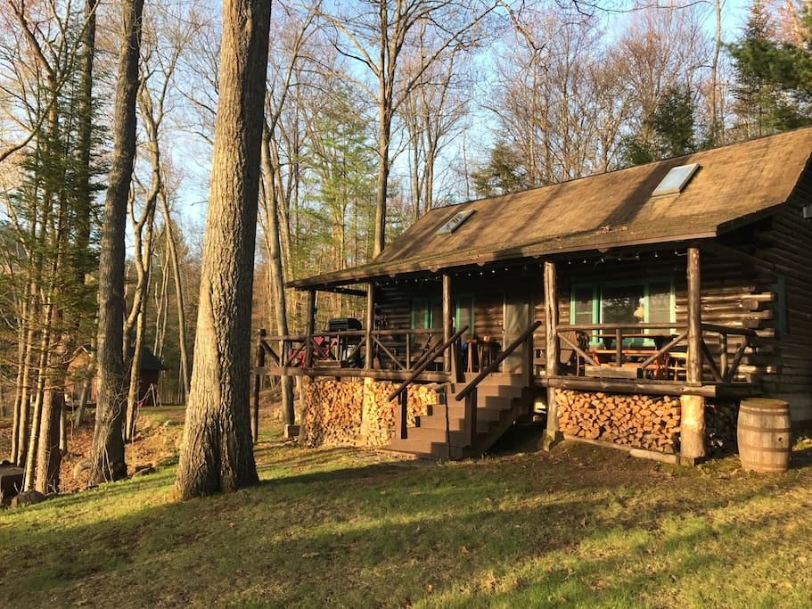 Private log cabin on lake pleasant cabins for rent in for New york cabin