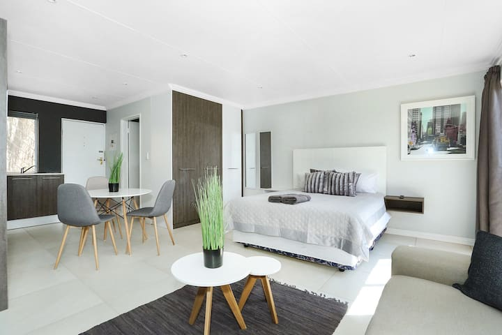 Madison Palms Sandton Apartment