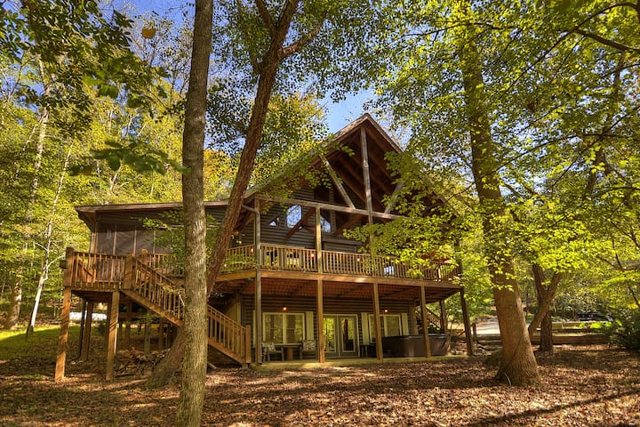 Riverfront Cabin in Ellijay - River's Echo