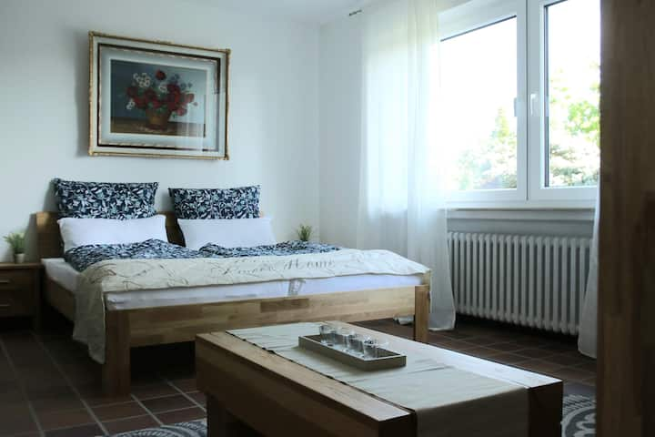 Moderne Ferienwohnung mit privatem Eingang - ROSA
