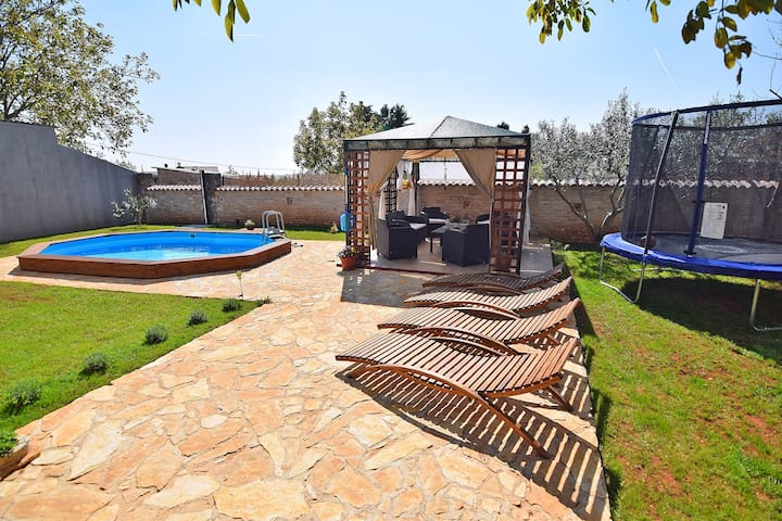 Holidayhome with pool for 6-8 - Juršići - Byt