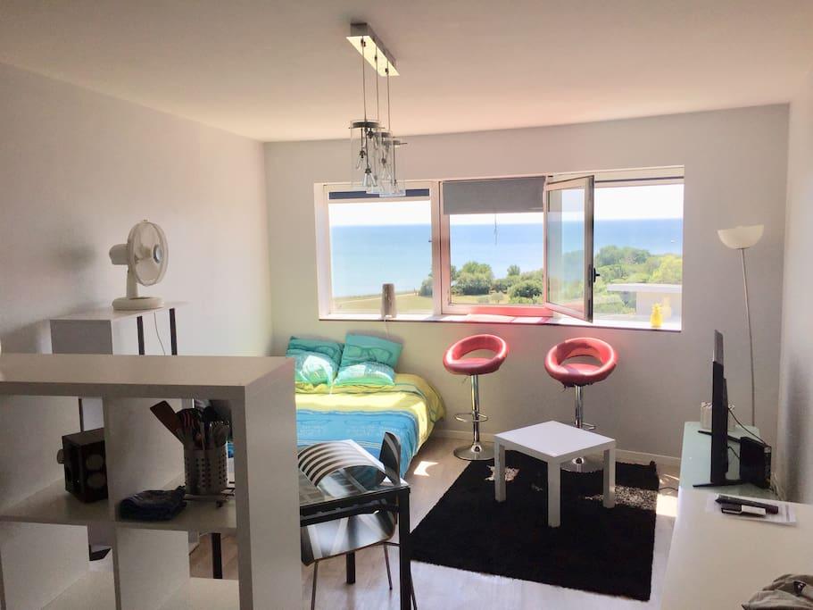 grand studio la rochelle les minimes vue mer appartements en r sidence louer la rochelle. Black Bedroom Furniture Sets. Home Design Ideas