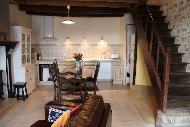 cosy rural cottage - Dompierre-les-Églises - Townhouse