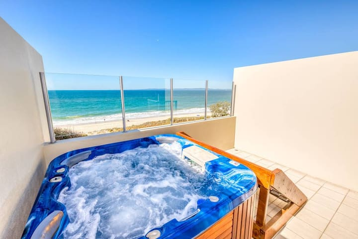 2 Bedroom Beachfront Spa Penthouse
