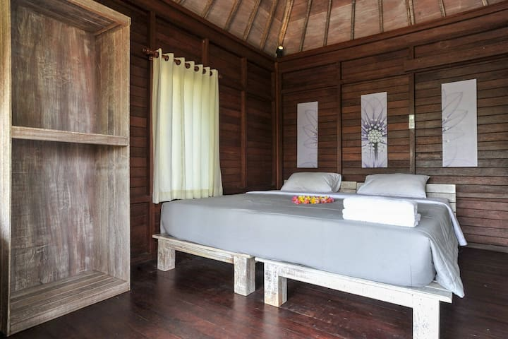 Locas room