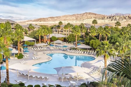 Resort Lodging for Coachella Valley Music Festival - Indi