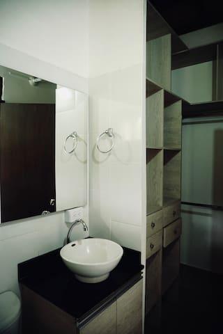 Baño y vestier