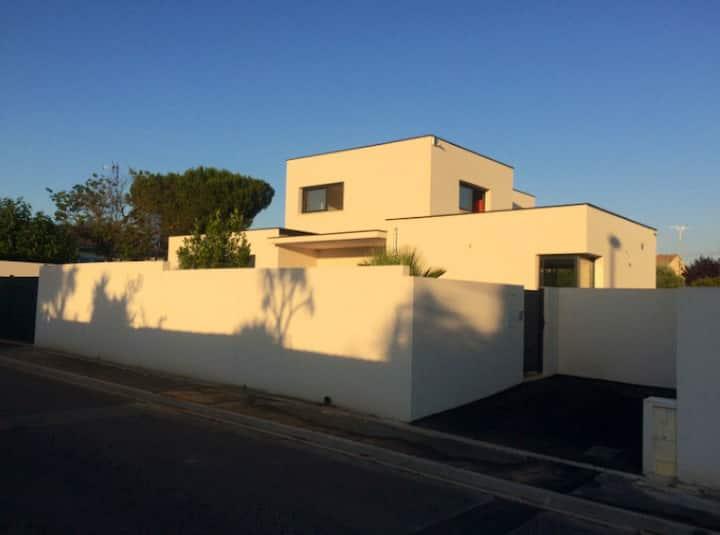 Studio of 20 m2 in new contemporary villa