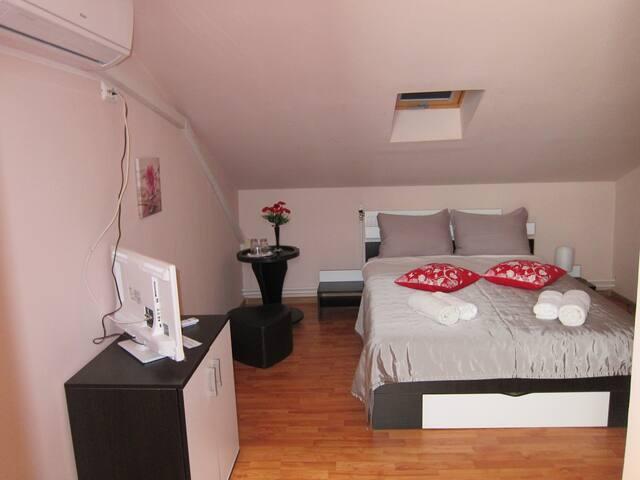 Matrimonial Room Gherghisan