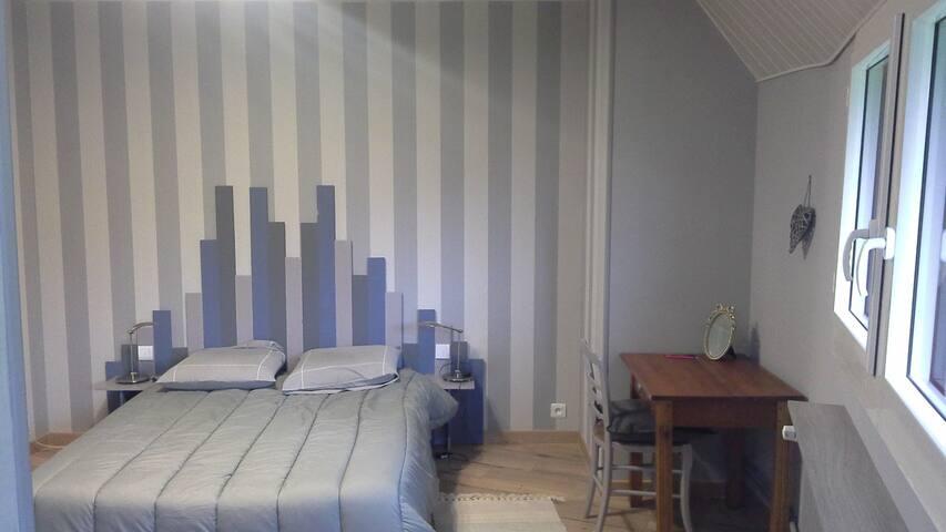 chambre d' hôte de charme le cèdre bleu