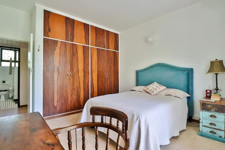Centrally located Stellenbosch apartment.