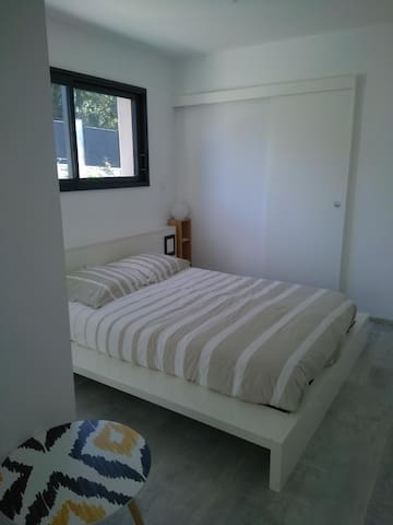 CHAMBRE PRIVATIVE DANS LES MONTS D'OR