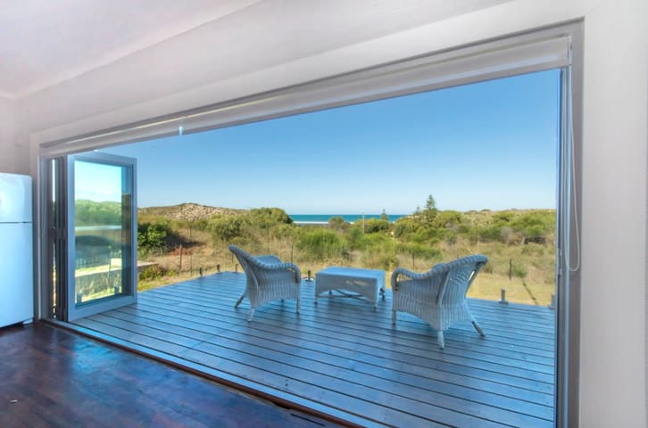 Shells Cottage-Front row with ocean & river views - Guilderton - Maison