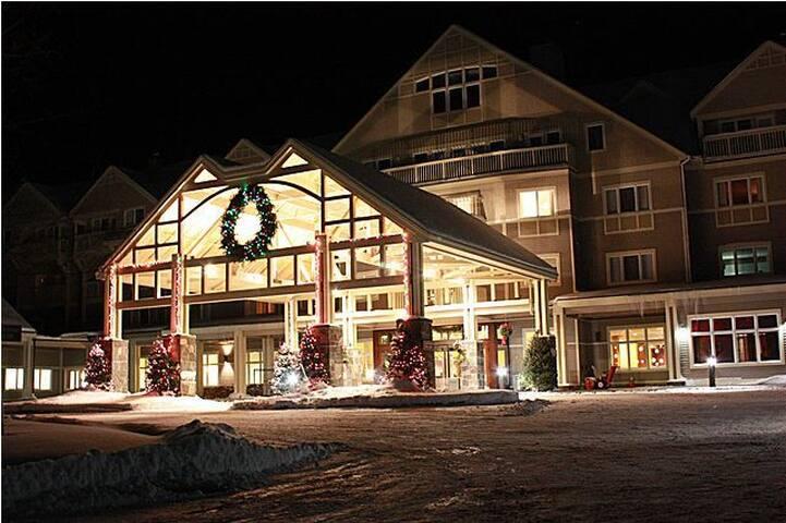 Attitash Ski Resort, sleeps 8, premier property - Bartlett