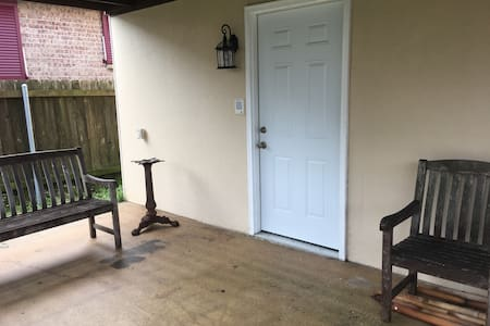 Private Garden Level Suite 5mi to French Quarter - New Orleans