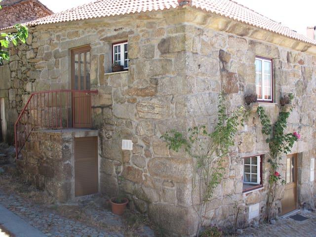 Casas Rústicas - Castro Daire