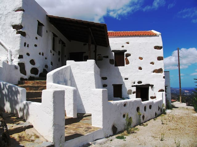 Quaint house-traditional Cretan village - Askordalos