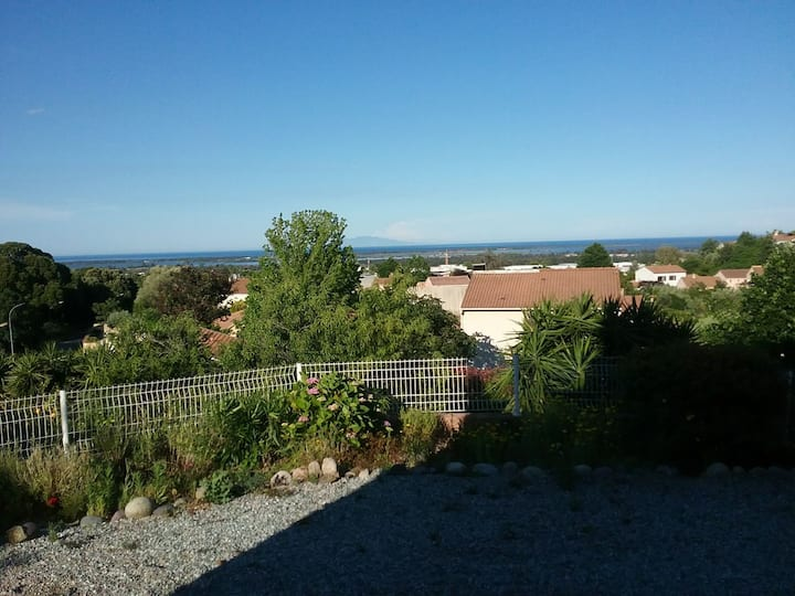 Appartement vue mer avec jardin