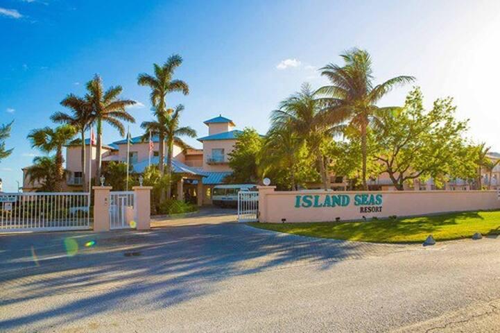 Island Seas Resort 1 BR, sleeps 4, Kitchen