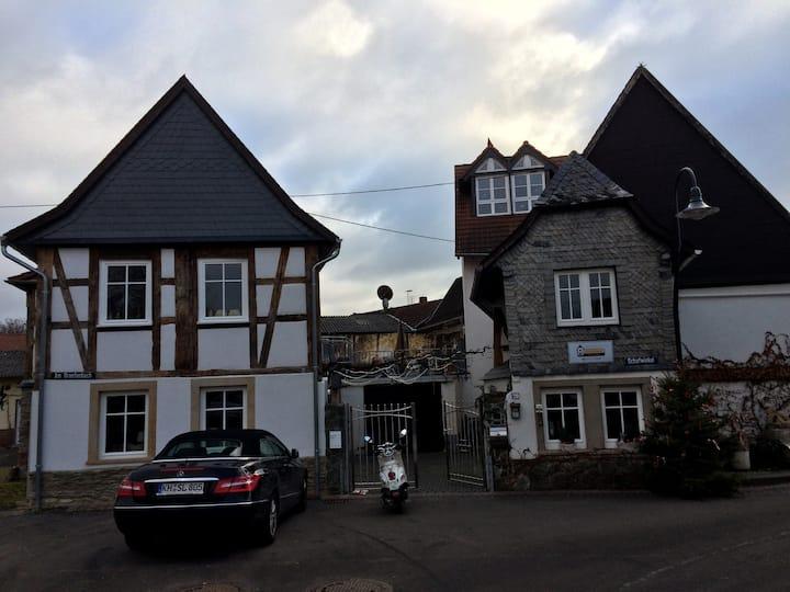 ausspannen im Weindorf im ältesten Haus anno 1614