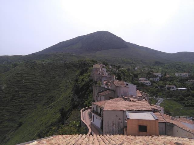 vista Monti Maierà