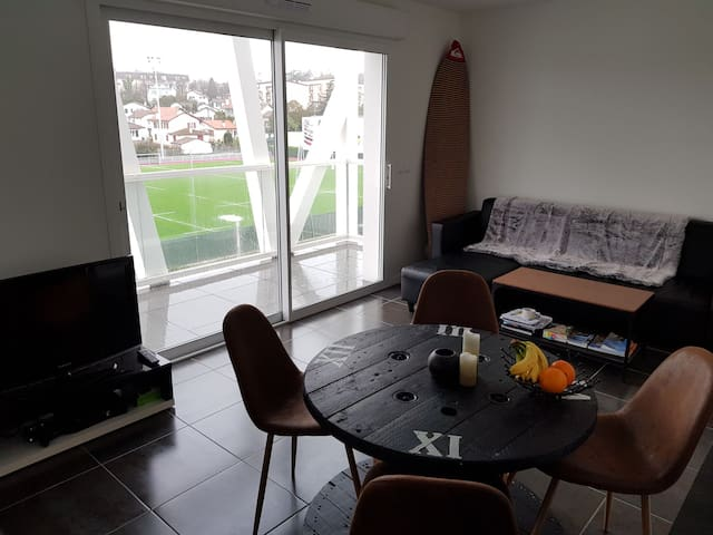 appartement t2 neuf centre bayonne apartments for rent in bayonne nouvelle aquitaine france. Black Bedroom Furniture Sets. Home Design Ideas