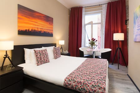 Quaint Stylish Apartment in City Center