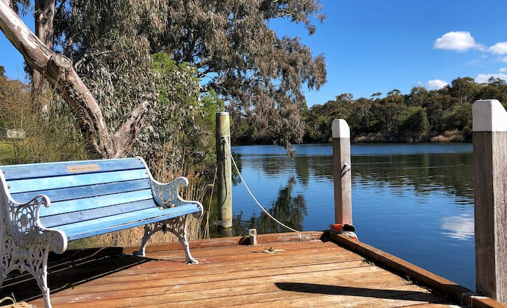 Studio at Eagle Point - Pet friendly & Jetty