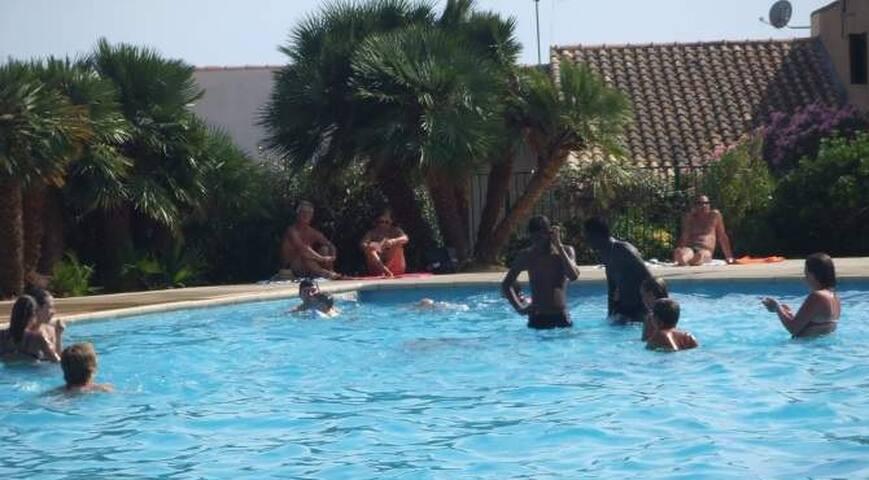 St Pierre la Mer loue appart résidence +piscine
