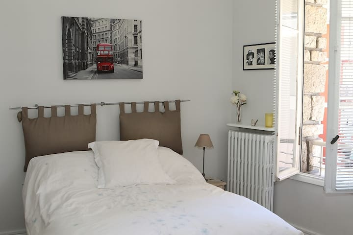 double room for rent in