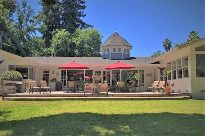 Peaceful & Tranquil Setting | Royal Oak Room