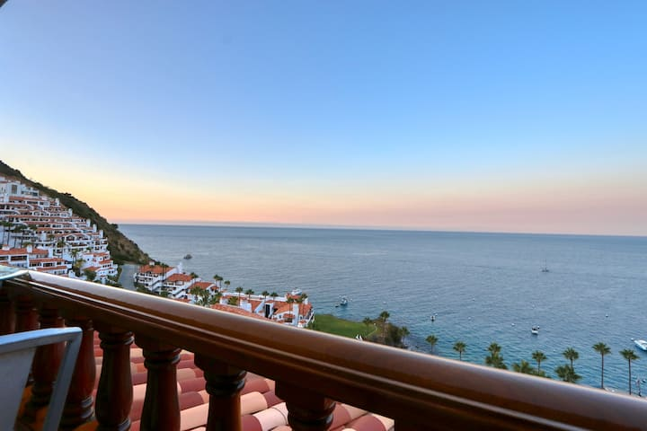 H249: Gorgeous Villa, NO STEPS, Panoramic Views, Private Balcony