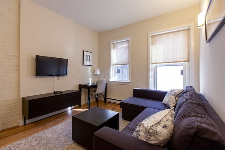 New|Shoppers|Foodies|Newbury|Suite 1BR 1BA #2