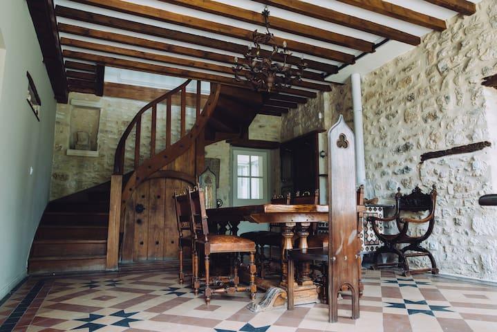 Belle maison en pierres avec piscine à Rocquemont - Crépy-en-Valois - Rumah