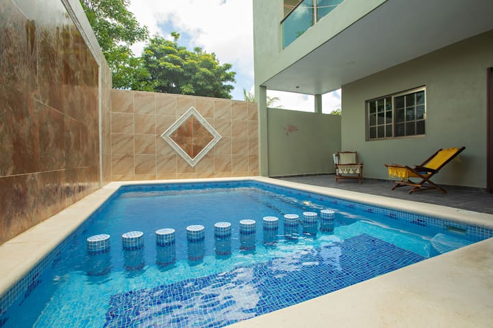 Peaceful brand new house with swimmingpool