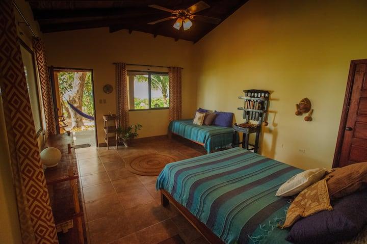 Casa Luna Negra - Private Beachfront Room