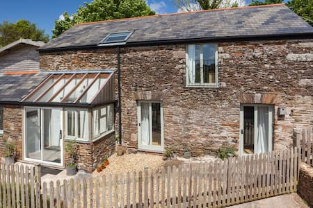 Beautiful stone cottage in lush Devon countryside - Avonwick - Ξενώνας