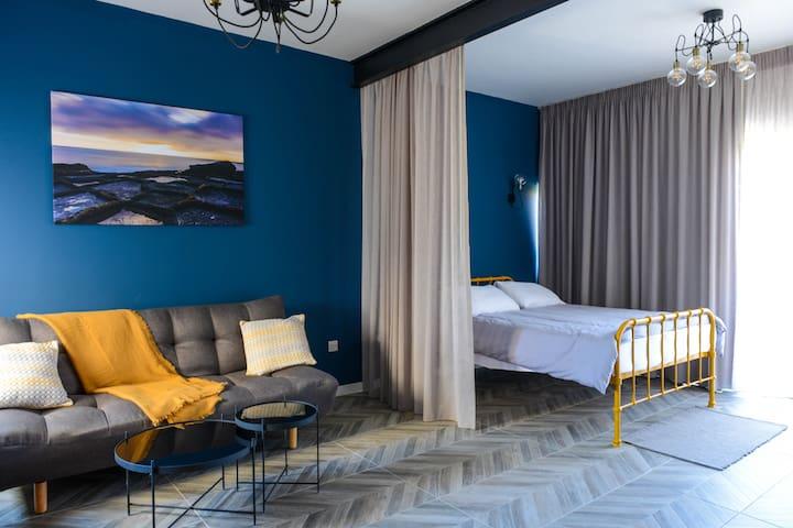 IS SALINI New Sea View Apartment