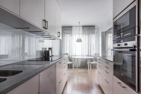 Large and bright Flat in the Heart of Stockholm