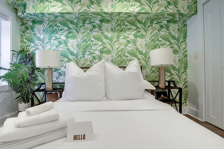 Luxe Boutique Hotel Style Suite in E Capitol Hill