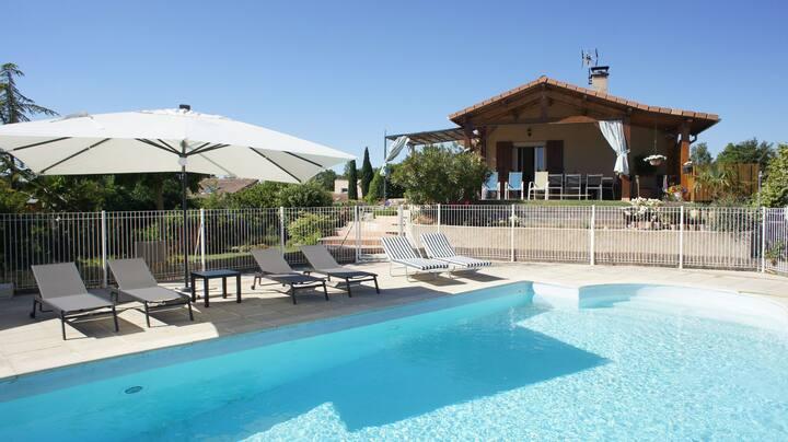 Villa avec piscine 6-8  couchages, dans la Drôme