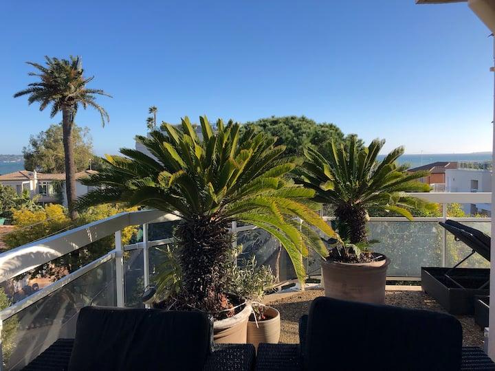 Gorgeous one-bedroom apt -sea view- StayInAntibes