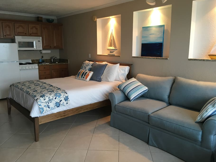 Queen size bed & full size sleeper sofa