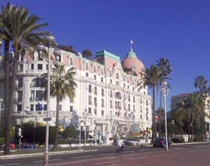 Apartment 150 metres from the beach and Hotel Negresco..