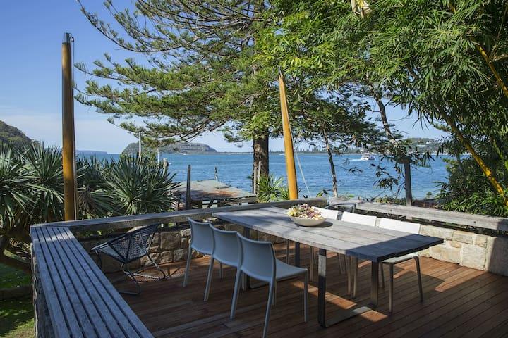 Beachfront House Mackerel beach - Escape Vacations